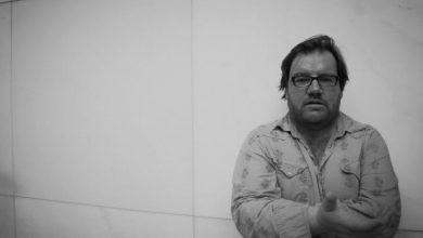 Photo of الكاتب العراقي سنان أنطون: الغرب يريد تثبيتنا في الصور النمطية